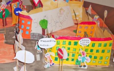 Scuola primaria e scuola dell'infanzia | Una passeggiata attorno alla scuola